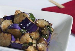 Comment cuisiner avec l aubergine - Comment cuisiner des aubergines au four ...