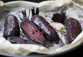 Roasting or baking beetroot