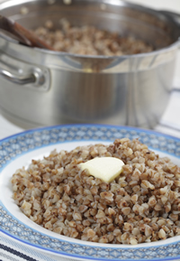 Boiling or steaming buckwheat