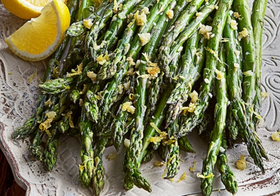 Hot Detox Garlic Roasted Asparagus