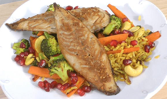 Oven-baked Mackerel with Vegetable Stir-fry and Brown Rice