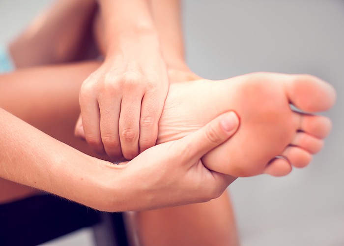 6 reasons why you experience foot cramps